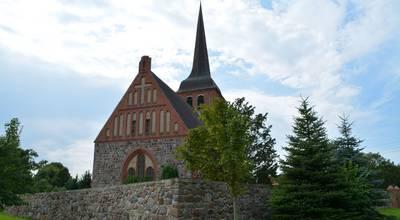 Mehr zu Dorfkirche Luckow